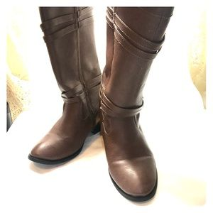 American Eagle girls sz 5 Leila faux leather boots